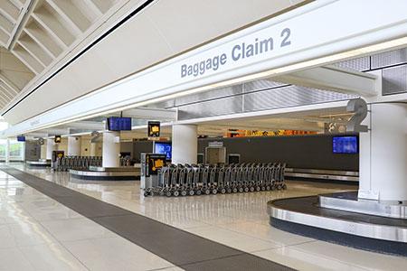reclamo de equipaje en el aeropuerto de ontario