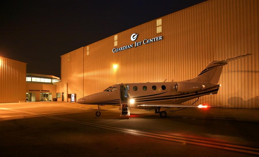 Guardian Jet Center 飞机