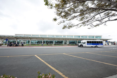 安大略国际机场的租车中心
