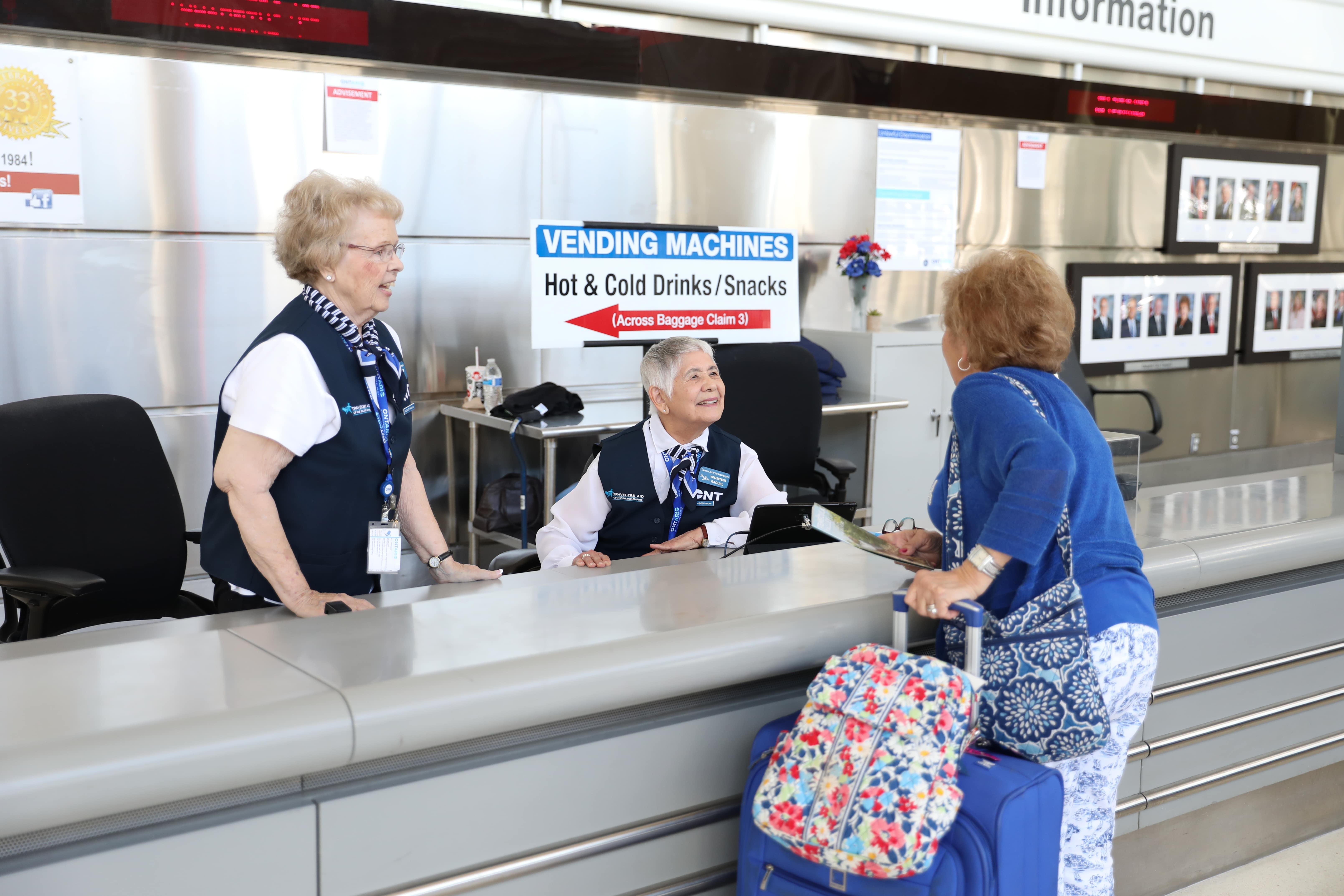 travelers aid en el aeropuerto de ontario
